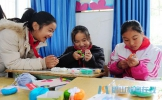 成都一爱心团队看望慰问东坡区晋凤小学学生
