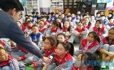 """东坡中学""""抱抱熊空间""""邀请嘉宾开展分享活动"""