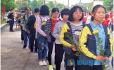 东坡区柳圣初中参加清明节缅怀先烈活动