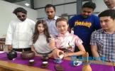 点赞眉山 30多位外国留学生学茶艺、学做川菜