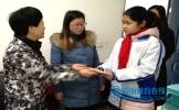 市、县相关部门领导看望慰问坝达初中残疾学生