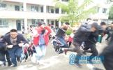 东坡区多悦初中举行应急疏散演练